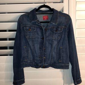 ELLE cropped jean jacket size L
